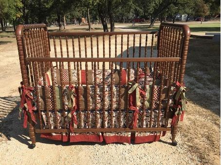 Jenny Lind Baby Bed/Crib